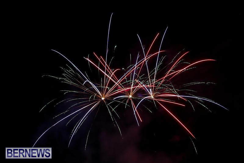 New-Years-Eve-Fireworks-Bermuda-December-31-2016-3