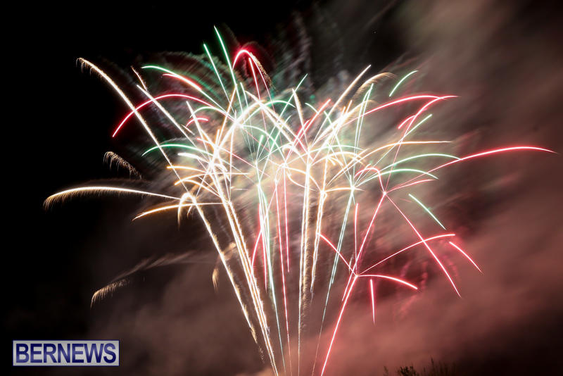 New-Years-Eve-Fireworks-Bermuda-December-31-2016-30
