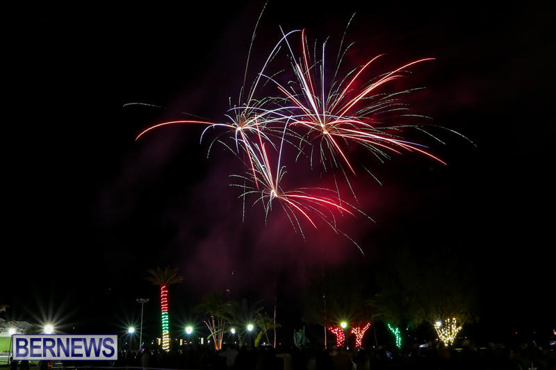New-Years-Eve-Fireworks-Bermuda-December-31-2016-5
