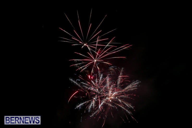 New-Years-Eve-Fireworks-Bermuda-December-31-2016-6