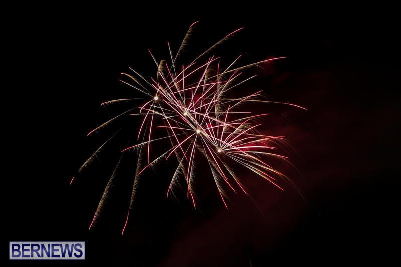 New-Years-Eve-Fireworks-Bermuda-December-31-2016-9