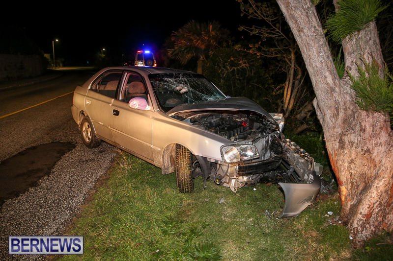 Car-Tree-Collision-Bermuda-February-18-2017-2