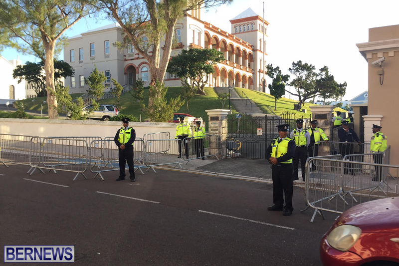 Police-at-House-Bermuda-February-3-2017-4