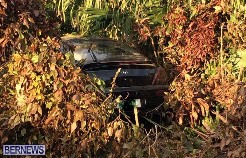 car collision bermuda feb 12 2017 (1)