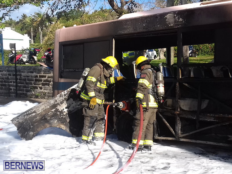 Bus-Fire-Bermuda-March-7-2017-1