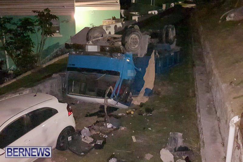 Overturned Truck Southampton Bermuda, March 29 2017-8