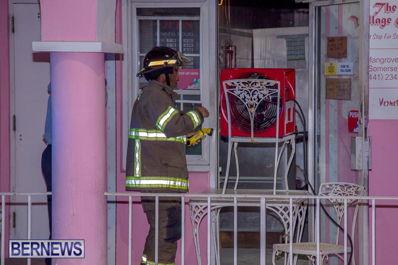 Village Cafe Fire Bermuda, March 13 2017-3