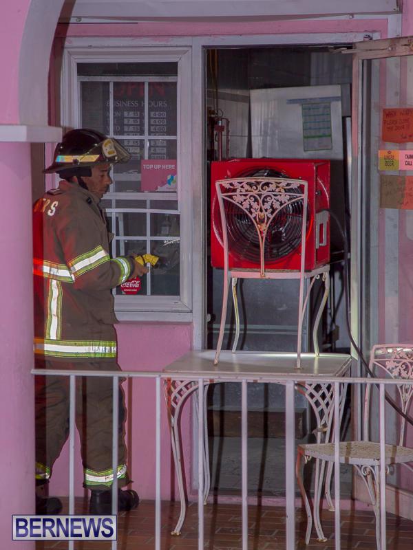Village Cafe Fire Bermuda, March 13 2017-5