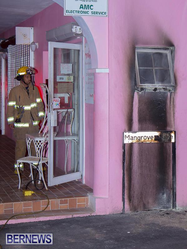 Village Cafe Fire Bermuda, March 13 2017-9