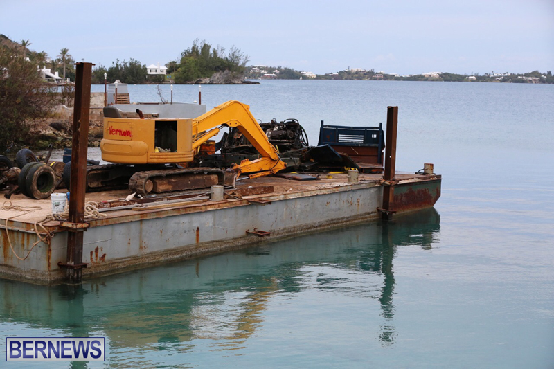 truck on barge Bermuda March 27 2017 (11)