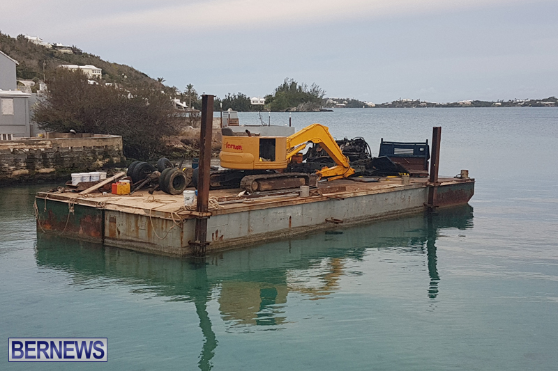 truck on barge Bermuda March 27 2017 (3)
