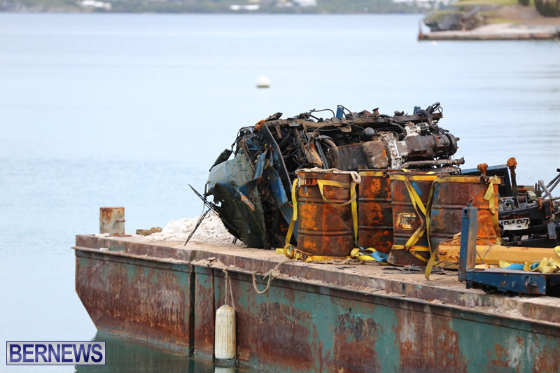 truck on barge Bermuda March 27 2017 (7)