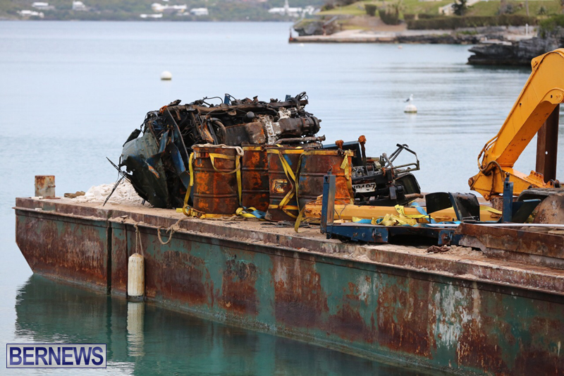 truck on barge Bermuda March 27 2017 (8)