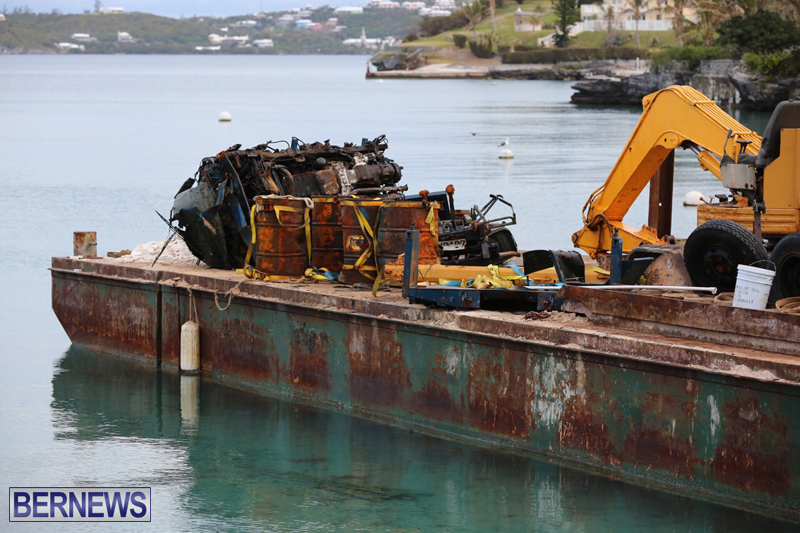 truck on barge Bermuda March 27 2017 (9)