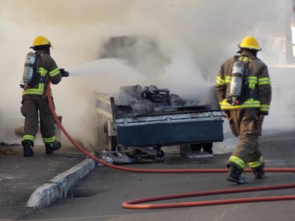 1-truck fire-crow lane bermuda april 15 2017 (7)