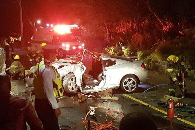 Car-Collision-Southampton-Bermuda-April-16-2017