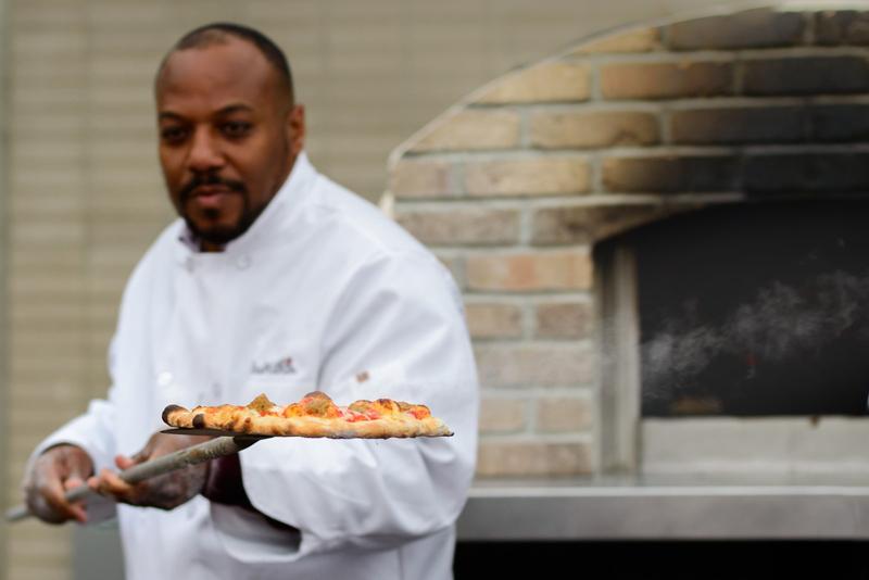 J&B's Wood Fired Pizza Bermuda April 24 2017 (1)