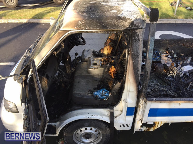 Truck Fire Hamilton Bermuda, April 15 2017 (10)