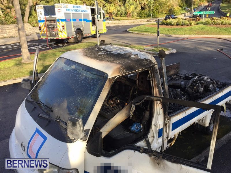 Truck Fire Hamilton Bermuda, April 15 2017 (3)