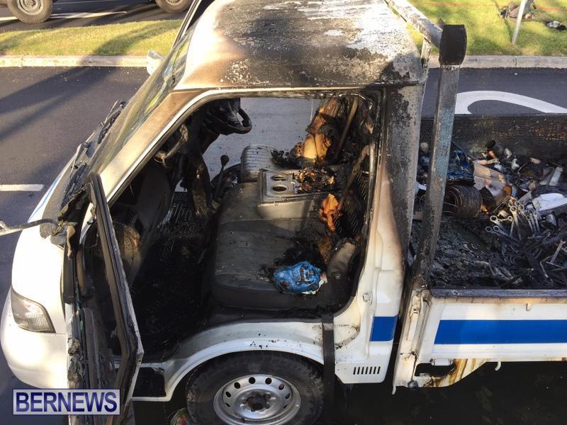Truck Fire Hamilton Bermuda, April 15 2017 (7)