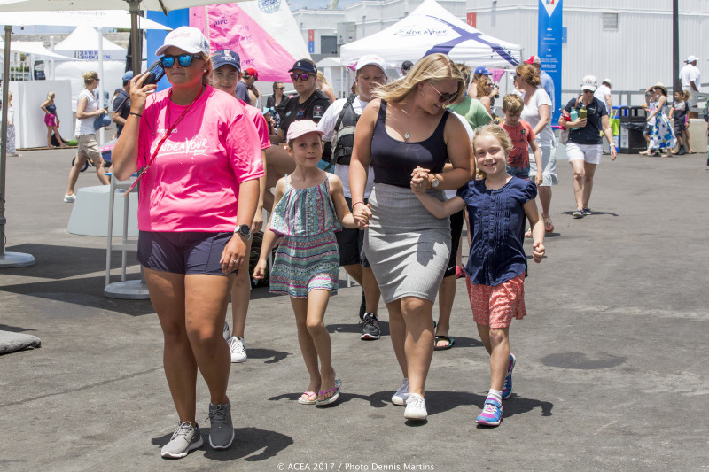 2017-May-28-Americas-Cup-Endeavour-Day-in-Dockyard-Bermuda-12