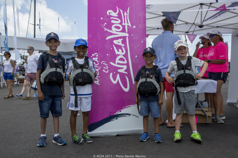 2017-May-28-Americas-Cup-Endeavour-Day-in-Dockyard-Bermuda-5