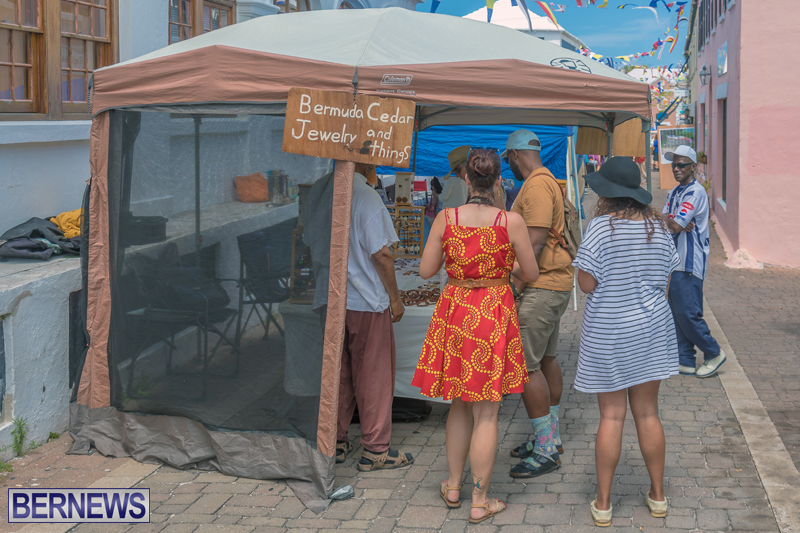 Art-Walk-Bermuda-May-27-2017-9