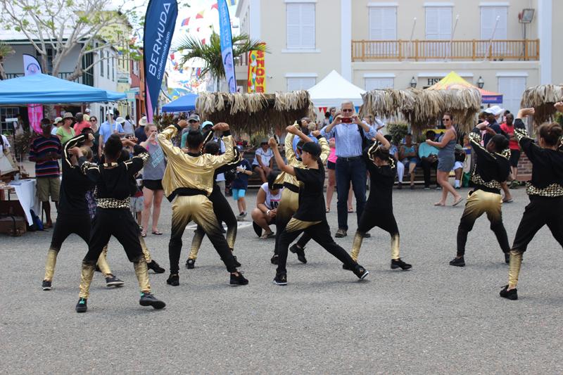 Art Walk Bermuda May 29 2017 (4)
