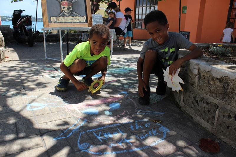 Art Walk Bermuda May 29 2017 (8)