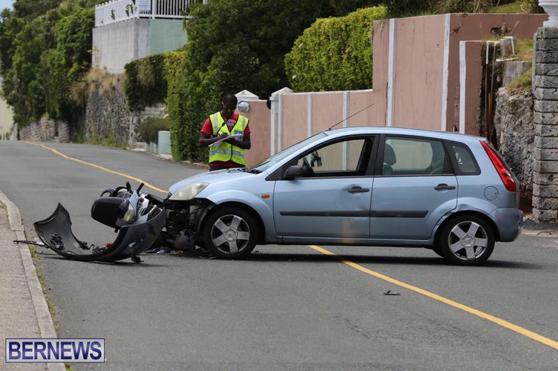 Car-collisionBermuda-May-1-2017-2
