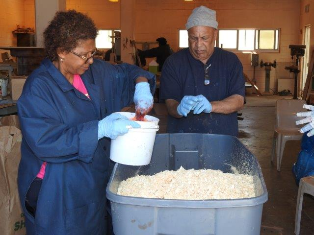 Dyeing Of Sawdust Bermuda May 10 2017 (3)