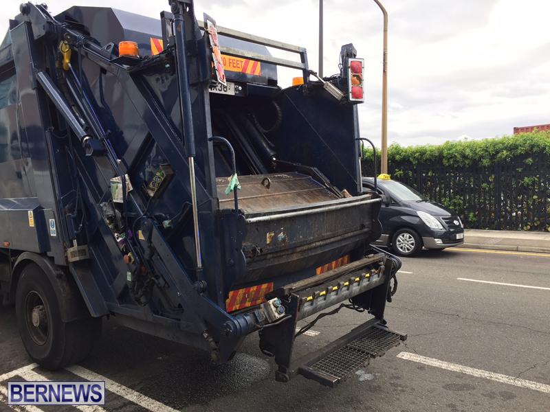 Trash Truck Bermuda May 11 2017 (5)