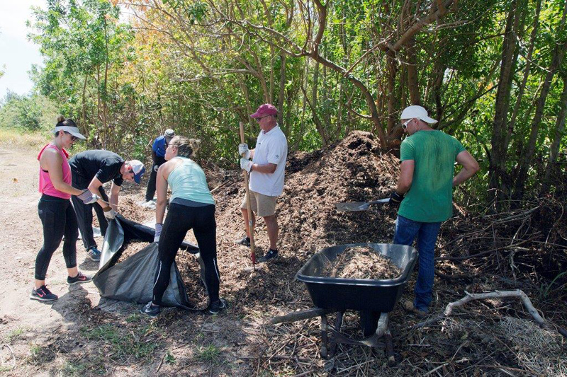 Corporate Day Of Giving Bermuda June 2017 (2)