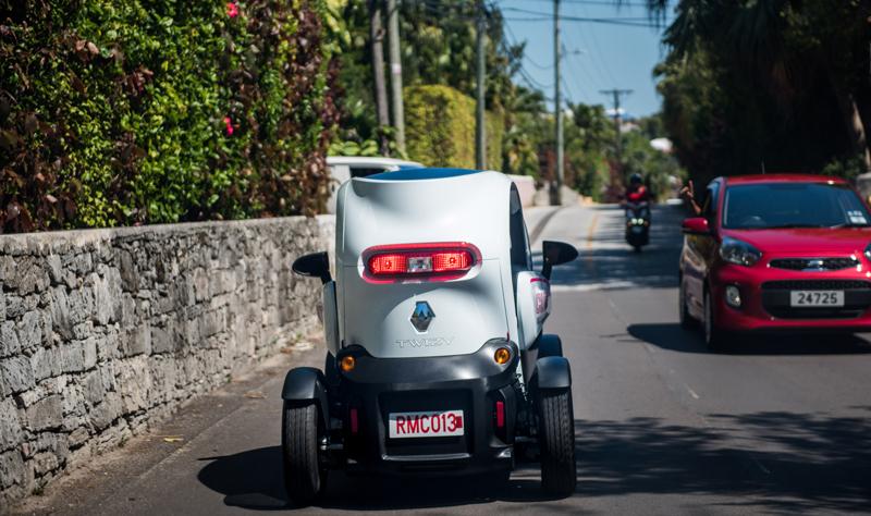 HP Twizy On Road Bermuda June 5 2017 (1)
