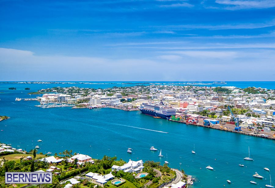 311 The aerial view of Hamilton, the Great Sound and even Dockyard in the background, simply gorgeous