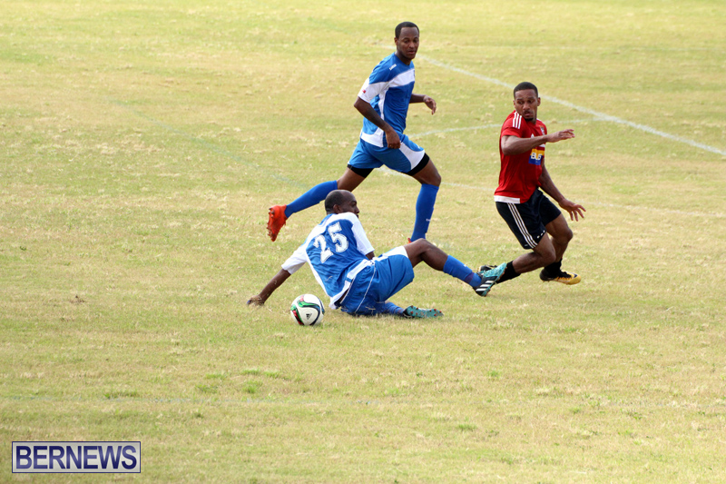 Football-First-Premier-Division-Bermuda-Sept-24-2017-18