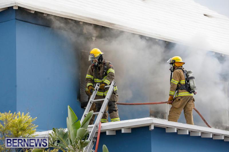 Robertson's-Drug-Store-Fire-Bermuda-September-2-2017_7636