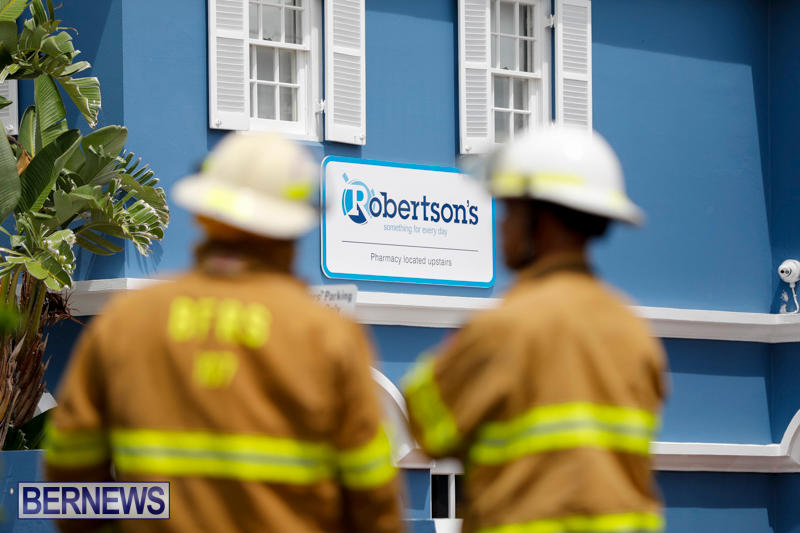 Robertson's-Drug-Store-Fire-Bermuda-September-2-2017_7895