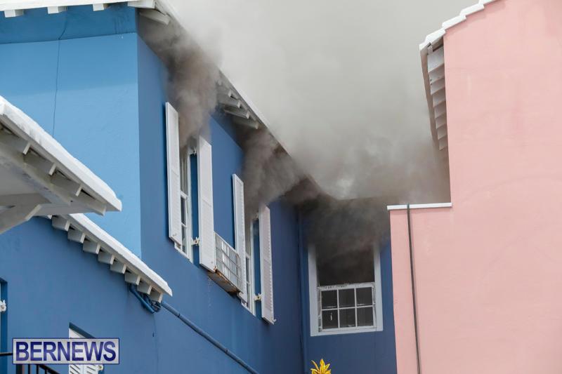 Robertson's-Drug-Store-Fire-Bermuda-September-2-2017_7915