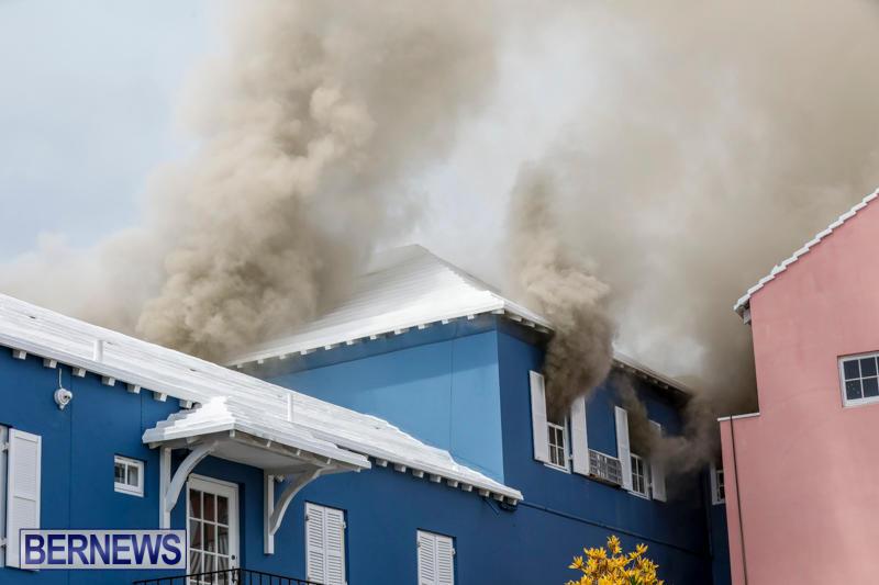 Robertson's-Drug-Store-Fire-Bermuda-September-2-2017_7923