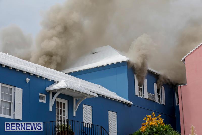Robertson's-Drug-Store-Fire-Bermuda-September-2-2017_7933
