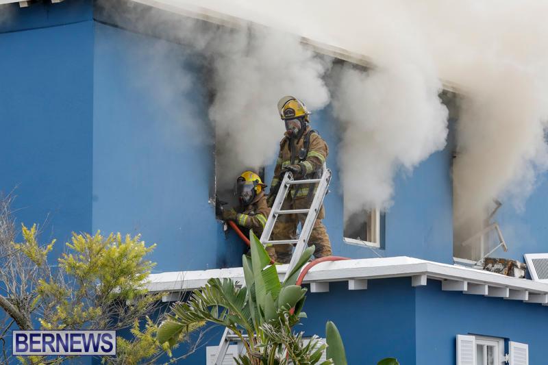 Robertson's-Drug-Store-Fire-Bermuda-September-2-2017_7993