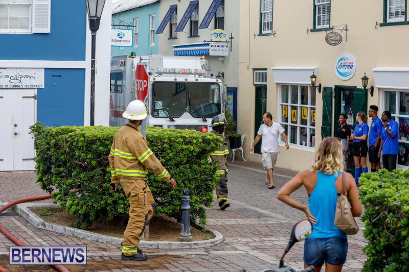 Robertson's-Drug-Store-Fire-Bermuda-September-2-2017_8001