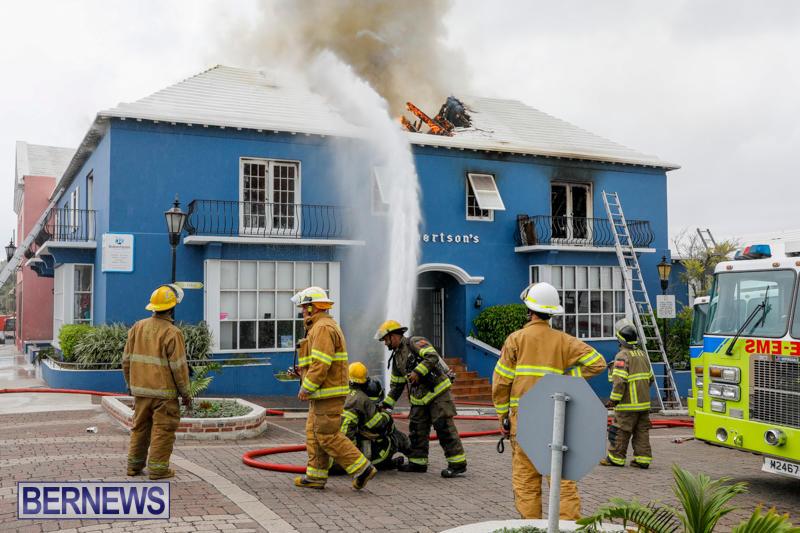 Robertson's-Drug-Store-Fire-Bermuda-September-2-2017_8106