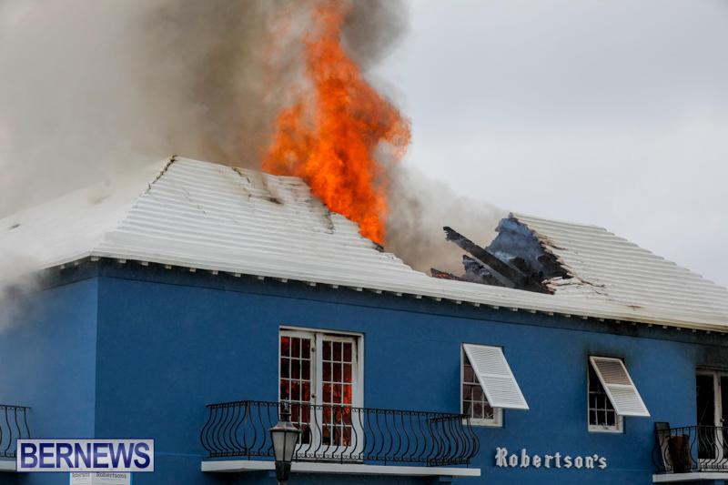 Robertson's-Drug-Store-Fire-Bermuda-September-2-2017_8123