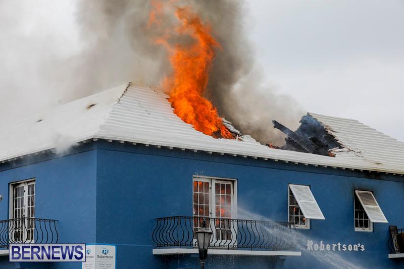 Robertson's-Drug-Store-Fire-Bermuda-September-2-2017_8142