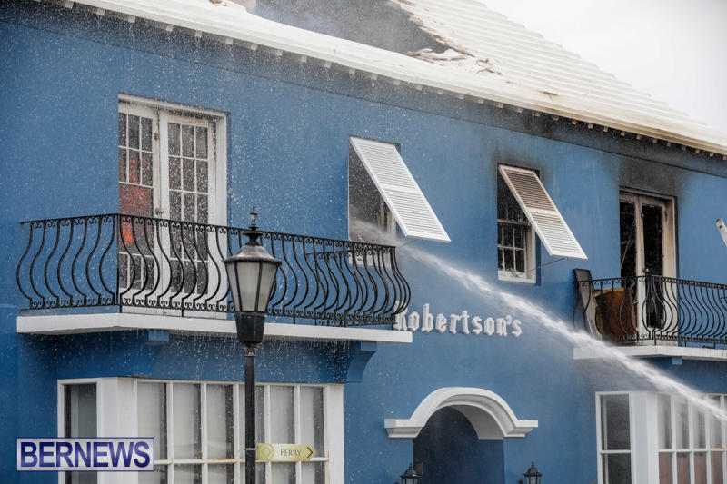 Robertson's-Drug-Store-Fire-Bermuda-September-2-2017_8220