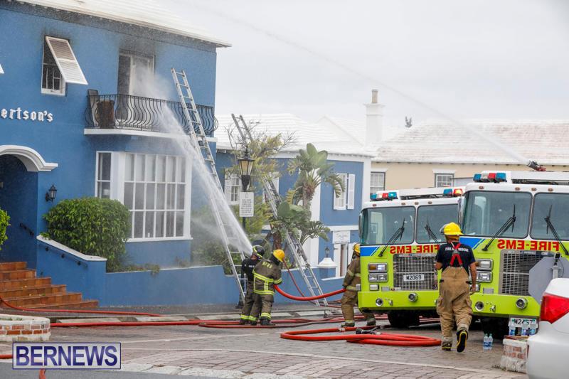 Robertson's-Drug-Store-Fire-Bermuda-September-2-2017_8259