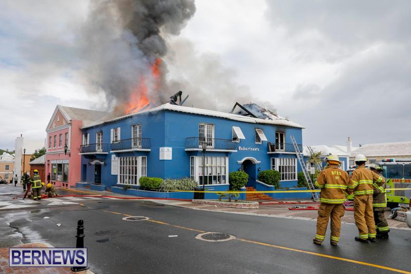 Robertson's-Drug-Store-Fire-Bermuda-September-2-2017_8304