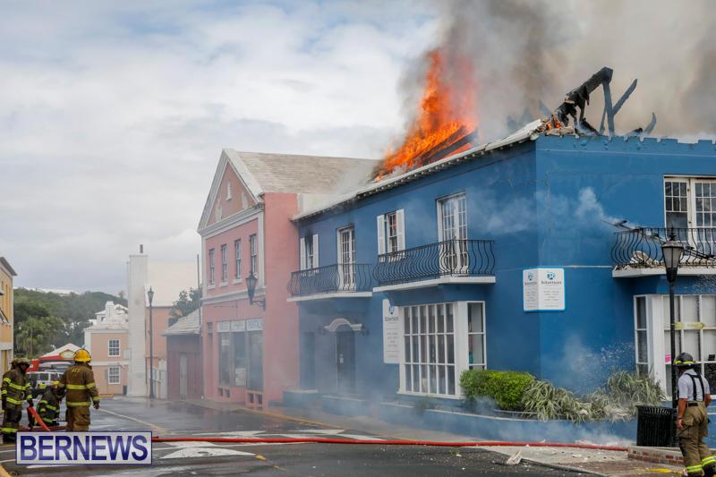 Robertson's-Drug-Store-Fire-Bermuda-September-2-2017_8332